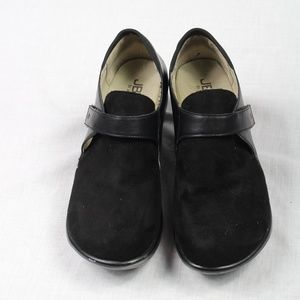 Jambu Black Clogs